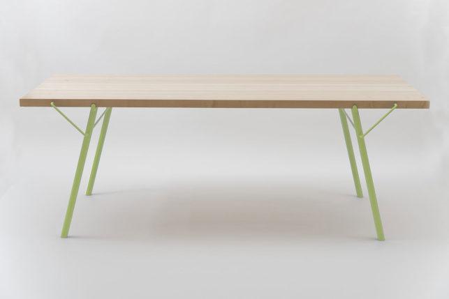 01_alveo_outdoor_table