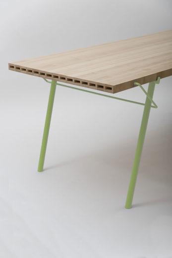 02_alveo_outdoor_table